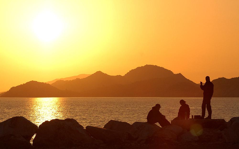 Přístav v Cavagzi západ slunce 03 FB