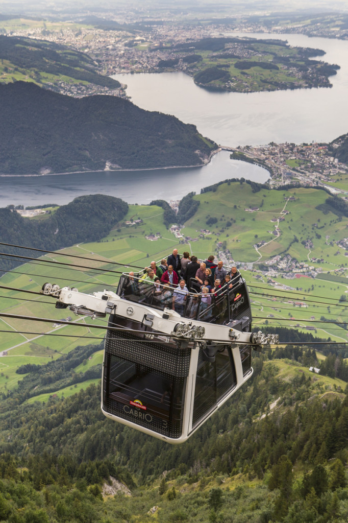 PVO_lanovka_Cable_car_Stanserhorn_lo-res_10