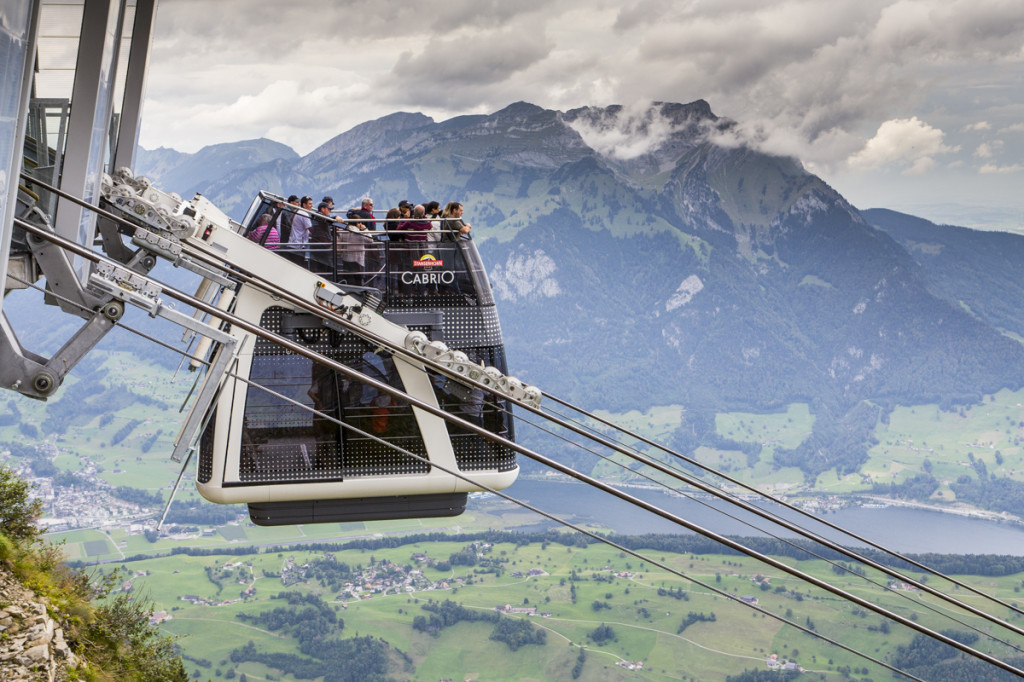 PVO_lanovka_Cable_car_Stanserhorn_lo-res_6