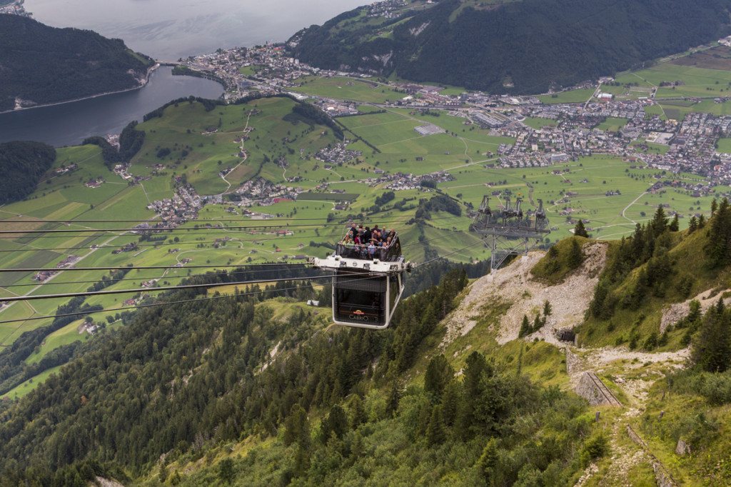 PVO_lanovka_Cable_car_Stanserhorn_lo-res_9