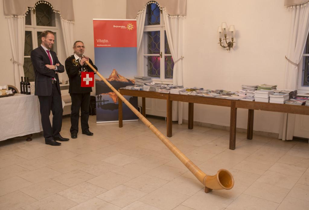 Lucernský alphornista Alfonso Llopart na Švýcarských dnech v Brně.