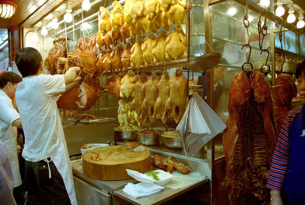 Hong Kong jsou i tradiční čínské pokrmy.