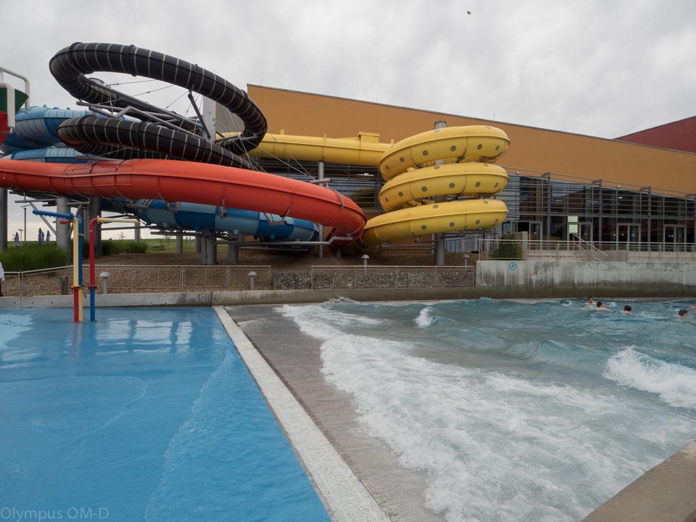 Tobgány, ale také bazén s několika druhy vlnobití.