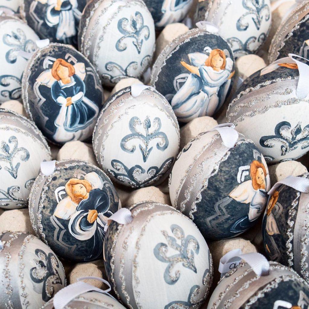 Christmas eggs on Christkinlmarkt in Salzburg Austria tripcendo mylifeoutside wildcultureczmylosthathellip