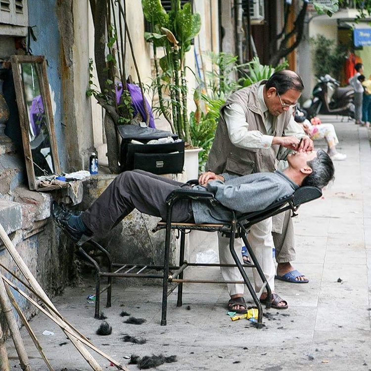 Street doctor in Hanoi Vietnam  mylosthat travel travelblog travelbloggerhellip