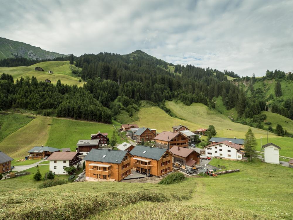 Schröcken je takovou malou osadou s krásným okolím, ať je léto nebo zima.