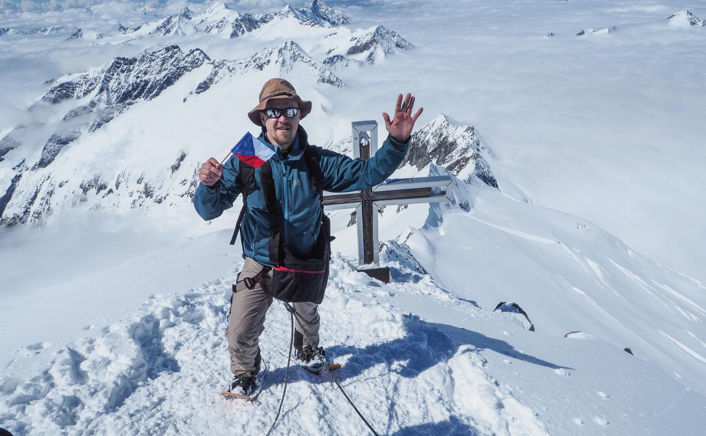 Po šesti hodinách stoupání po ledovci jsem stanul na vrcholu čtvrté nejvyšší hory Rakouska Grossvenedigeru.