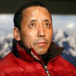 Nepálský horolezec a pokořitel Mount Everestu Apa Sherpa při návštěvě V ČR v roce 2009.