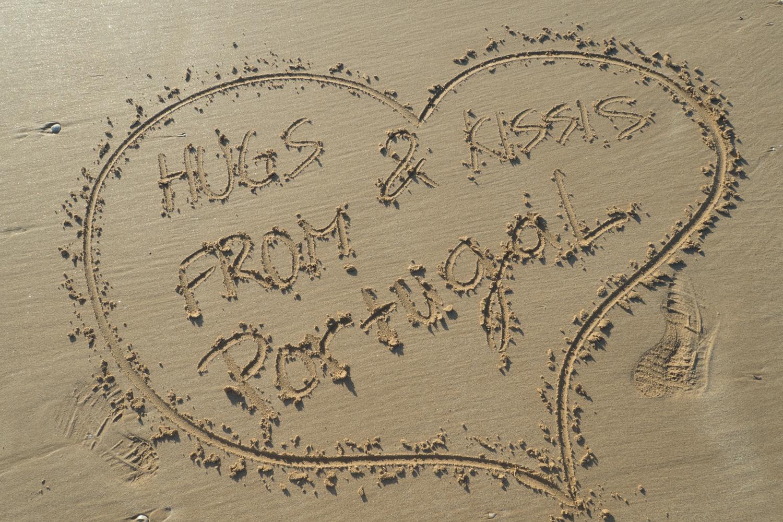 Nápis v písku