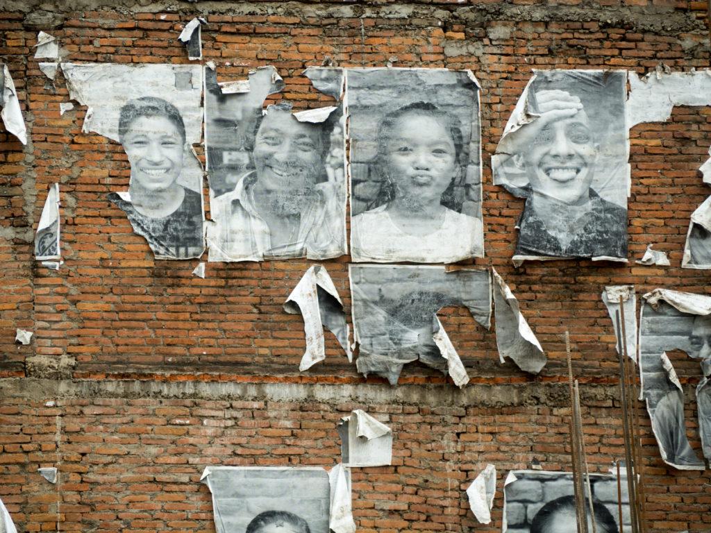 fotografie obětí zemětřesení, Kathmandu, Nepál