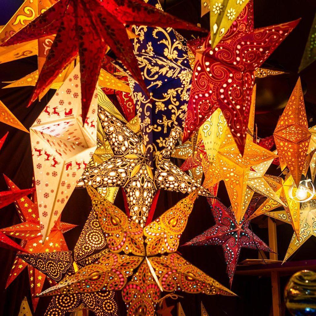Christmas stars on Christkinflmarkt in Salzburg Austria tripcendo mylifeoutside wildcultureczmylosthathellip