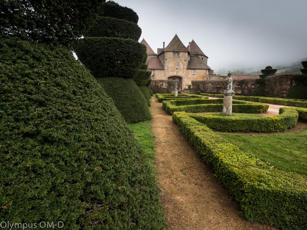 Burgundsko je plné tajemných hradů a zámků.
