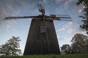 Větrný mlýn na Klobouky u Brna.