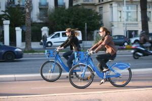 Pjčení kola je bezvadná cesta, jak prozkouamt co nevětší část Nice.