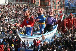 Karnevalový průvod láká tisíce lidí.
