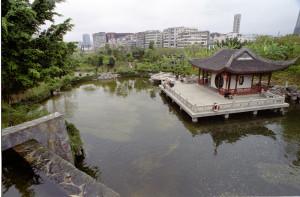 I místa klidu se Hong Kongu najdou