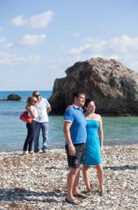 Na pláži, kde z mořské pěny povastala Afrodita je fakt dost čilo.