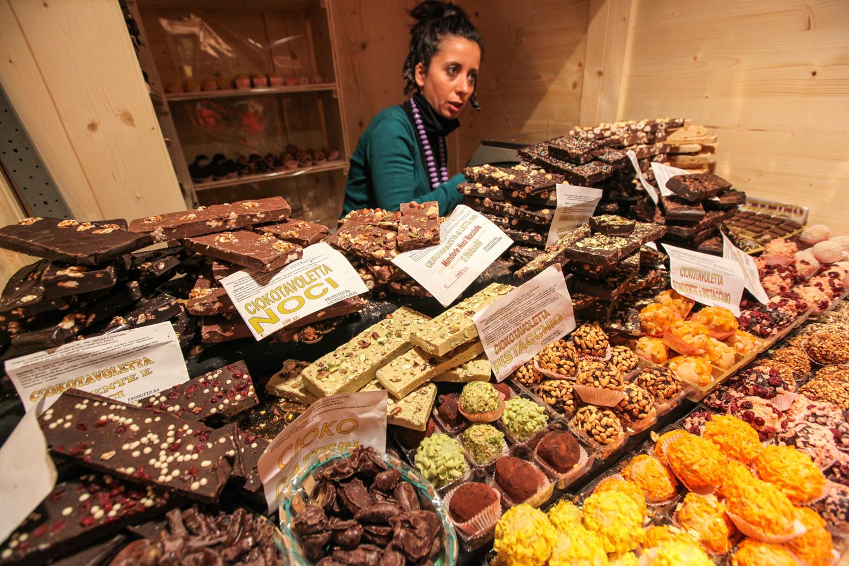 Odolat koupi něčeho pekelně sladkého je ve Vídni před Vánoci skoro neřešitelná věc.
