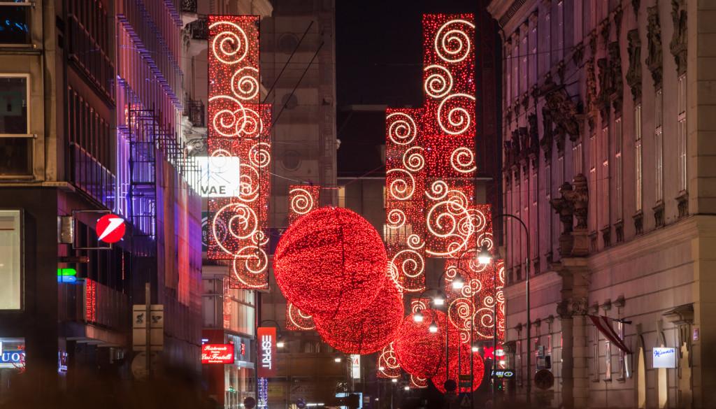 Výzdoba vídeňských ulic o Vánocích někdy bere dech.