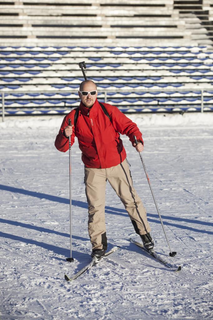 Christianovi se navíc povedlo postavit mě do pozice, kdy to na fotce vypdá, že opravdu jedu biatlon. Ale nejel jsem!