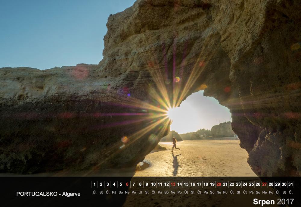 Pobřeží Algarve, Portugalsko.