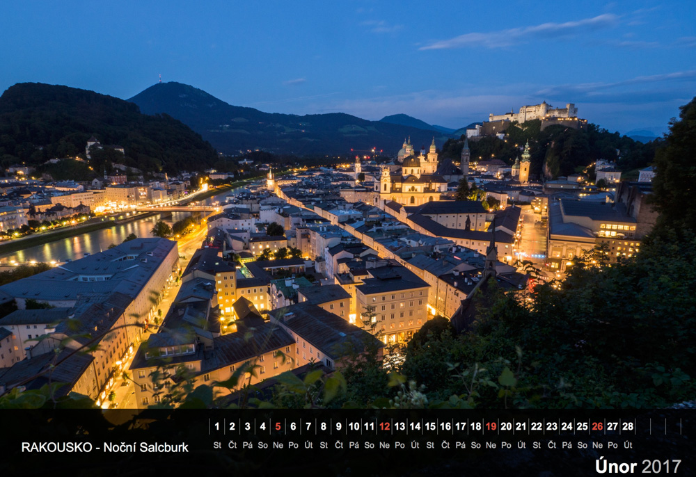 Noční Salzburg.