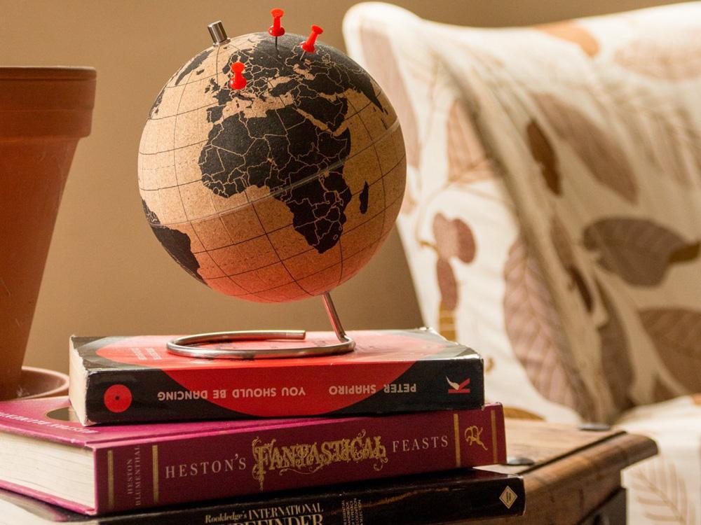 Korkový globus.