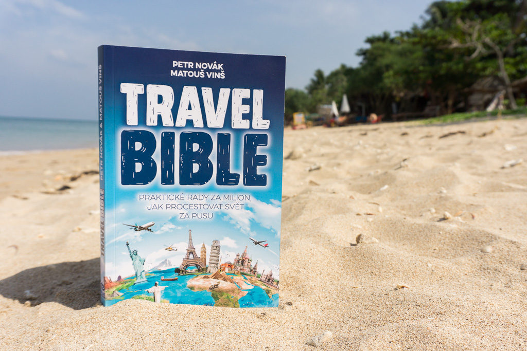 Travel Bible na pláži