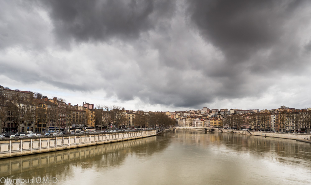 Nábřeží v Lyonu.